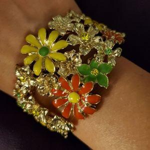 🌼 Vintage Park Lane Daisy Cuff Bracelet